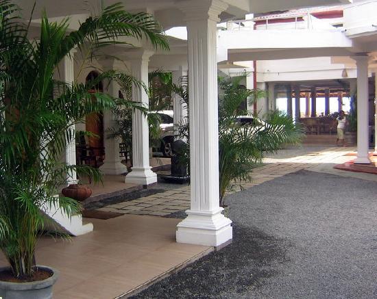 Photo of Hotel Royal Beach Hikkaduwa