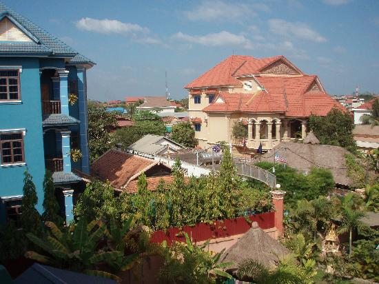Siem Reap Garden Inn: Another view from my room.