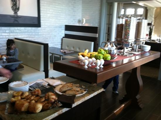 Wayne Hotel: breakfast buffet