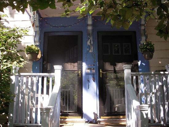 Cambridge Bed and Muffin : La porte côté proprio et la porte côté B&B
