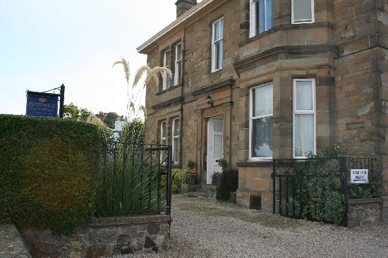 Prestwick Guest House: OUTSIDE VIEW