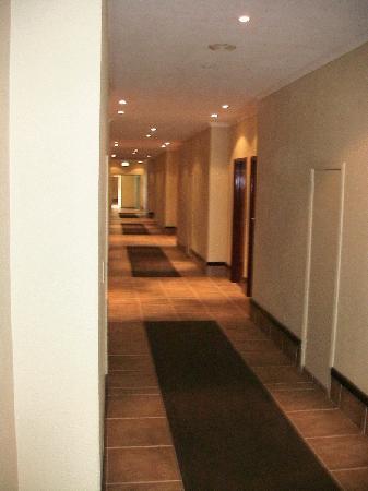 Wilderness Beach Hotel: Flur vor den Zimmern