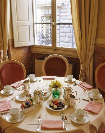 Bernini Palace Hotel: Breakfast room