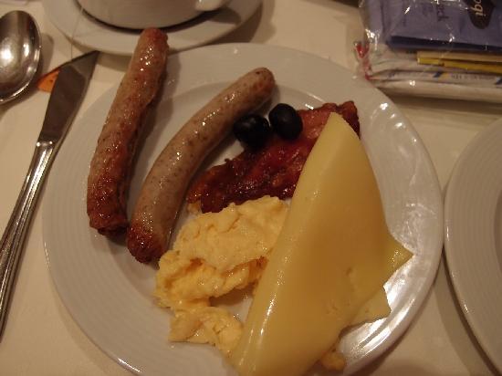 RAMADA Hotel Hockenheim: 朝食一例