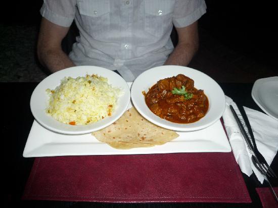 The Riverside Hotel: Indisches Abendessen im Hotel