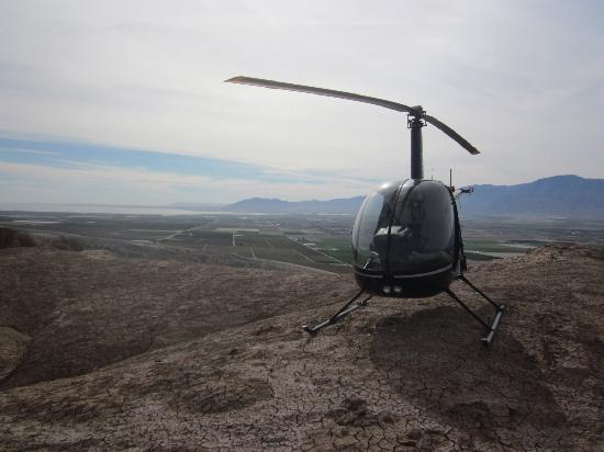 Jerry Trimble Helicopters: Scenic flight in the Coachella Valley