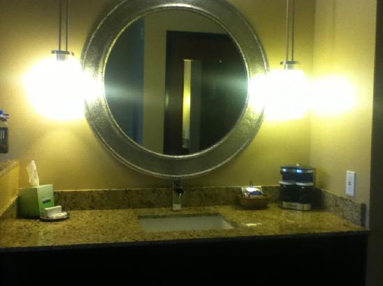 Hampton Inn Phoenix-Biltmore: Vanity