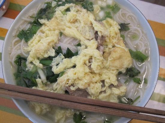 Jacky's Guesthouse: Rice noodles for breakfast