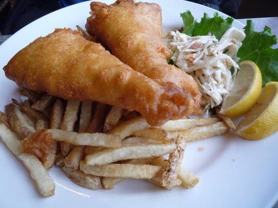 Eagle's Nest Marine Pub: Yummy Fish & Chips