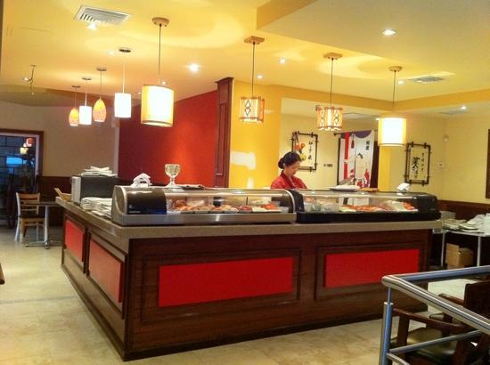 "Tayzan Bar and Grill: Sushi chef: ""Elain"""
