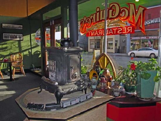 McGuire's Restaurant: Wood burning stove