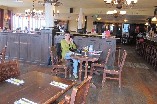 De Fontein Belgian Beer Cafe : Inside upstairs of restaurant