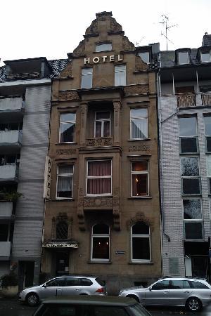 Europaeischer Hof Hotel: Historical facade