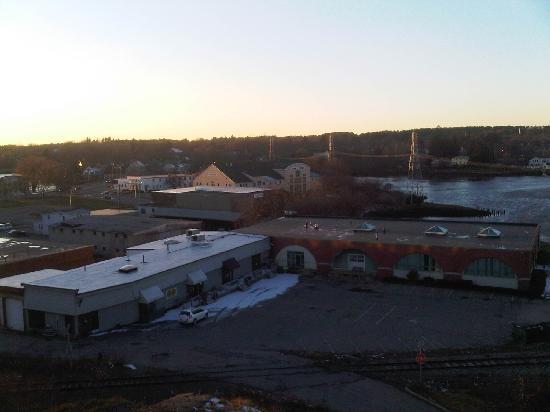 Sheraton Portsmouth Harborside Hotel: Landfill