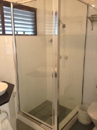 No 95 Accommodation: renovated bathroom