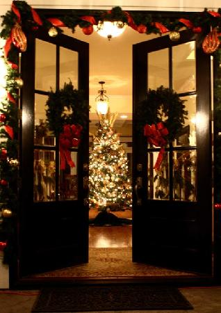 Beautiful Large Christmas Tree In The Foyer Picture Of Bed And
