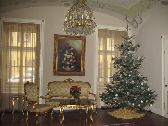 St. George Residence in the Buda Castle: Lounge