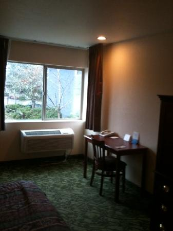 Days Inn Eugene Downtown/University: Room
