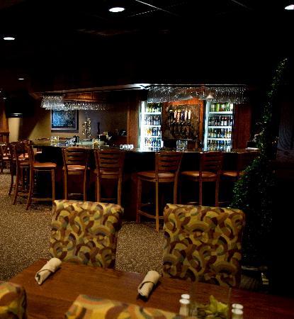 17th Street Grill at Timberlake Lodge : Welcoming Bar
