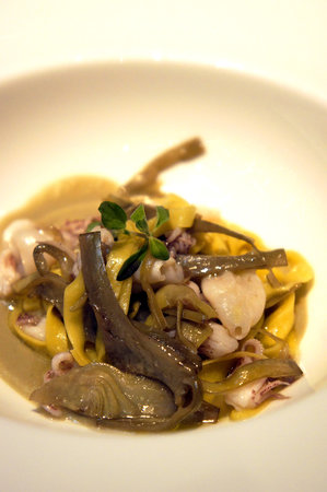 Enoteca Pinchiorri: Taglerieni with baby squid and artichokes.