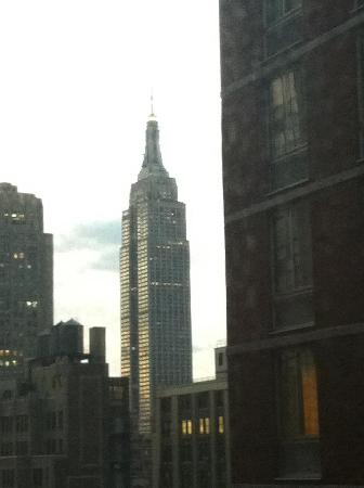 Distrikt Hotel New York City: View from our room 26th floor!