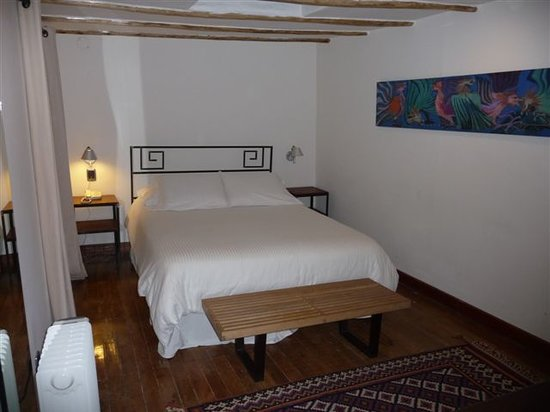 Second Home Cusco : luxurious bedroom