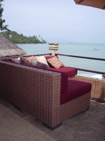 Zazen Boutique Resort & Spa: Chillax Morrocan-style lounge overlooking the ocean...heavenly!