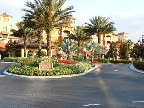 Wyndham Bonnet Creek Resort: Bonnet Creek entrance at Sunset