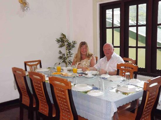 FoRest Villa: England Guest