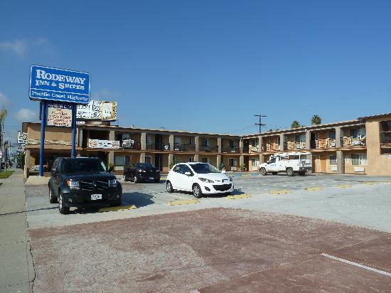 Rodeway Inn & Suites Pacific Coast Highway: Parking