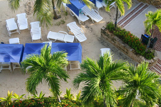 GHL Relax Hotel Sunrise: small beach at Sunrise Hotel