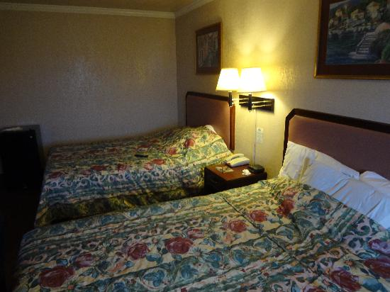 The Inn at Market Square Downtown: Spacious room