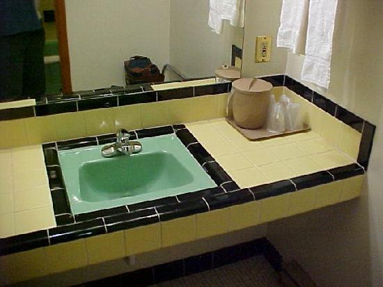 William Ann Motel: tile work in the sink area