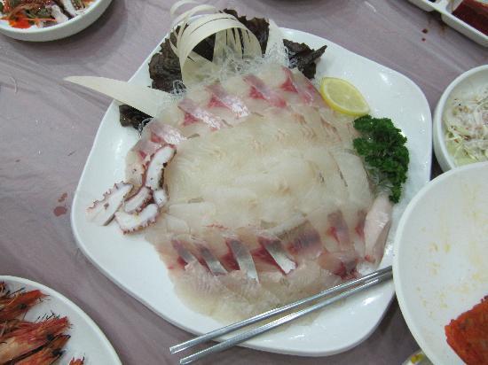 Yangssi Sanghoe: sashimi