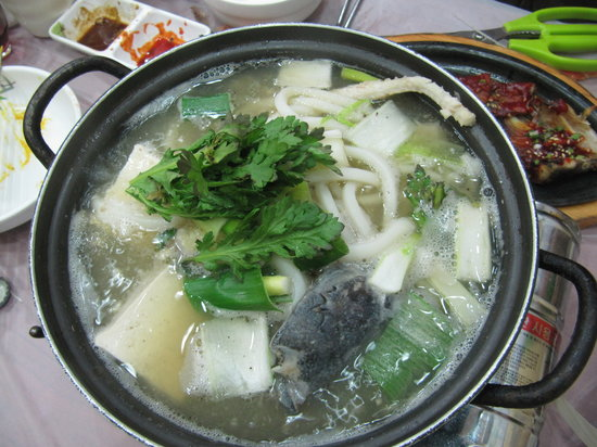 Yangssi Sanghoe: fish soup very fresh and yummy