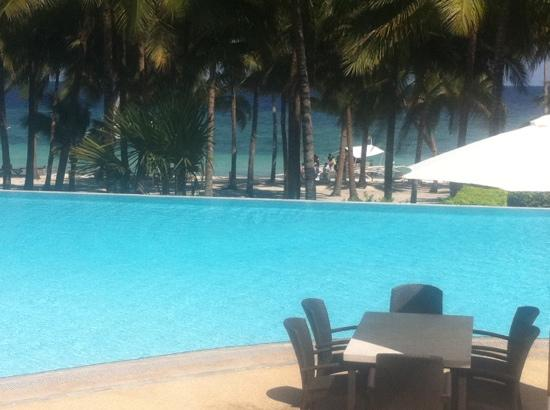 Henann Resort Alona Beach: Pool