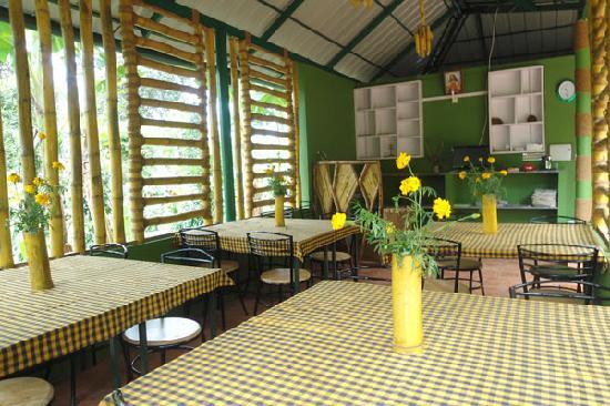 Harithavanam Farm House: restaurants