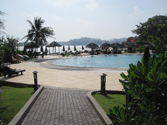 The Tongsai Bay: Main pool