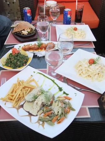 Aragil Restaurant & Cafe