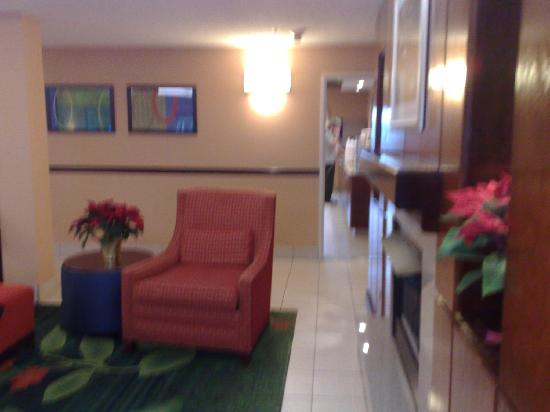 Fairfield Inn Seattle Sea-Tac Airport: foyer 1