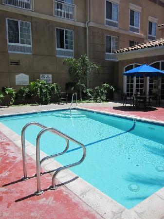 Hilton Garden Inn Calabasas: Poolbereich