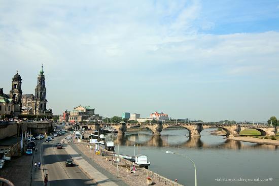 Dresden, Alemania: мост Короля Августа(нем. Augustusbrücke)