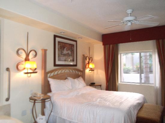 Sheraton Desert Oasis: 寝室1