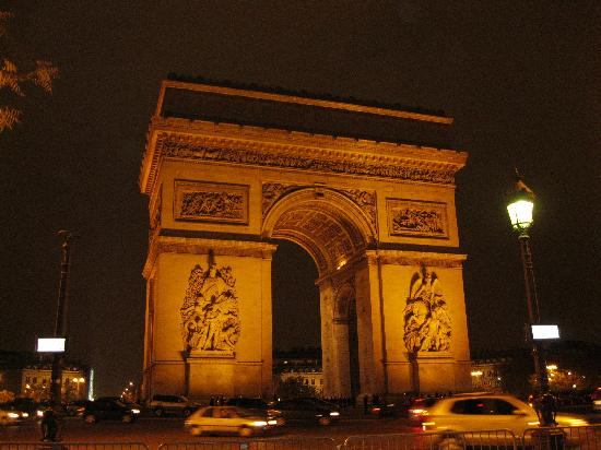 arc de triomphe there is a car crash around the arc de triomphe every 20 minutes because the f. Black Bedroom Furniture Sets. Home Design Ideas