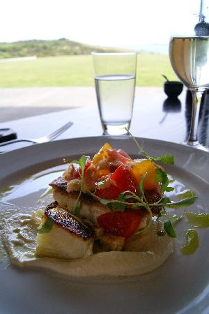 Cable Bay Vineyards Winery and Restaurant: snapper from heaven :)