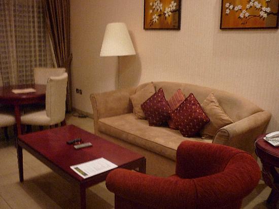Ascot Hotel Apartment: salottino