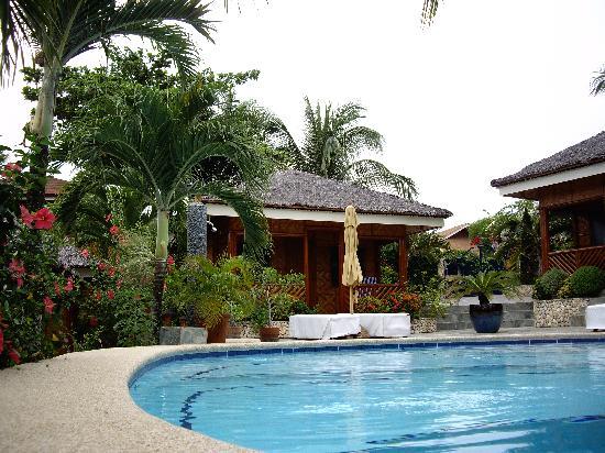 Magic Island Dive Resort: Magic Island