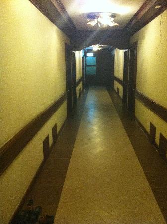 D Varee Xpress Hillside Hua Hin : korridoren på hotellet