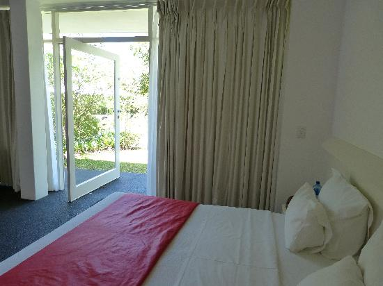Serene-estate Boutique Guesthouse : red room
