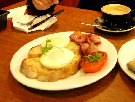 Capers Cafe: Kiwi version of egg benedict
